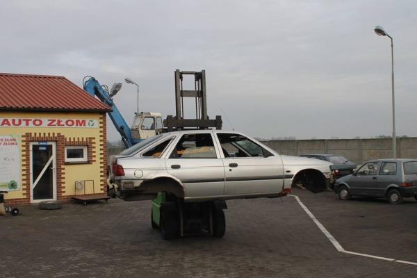 Stacja demontażu pojazdów 1