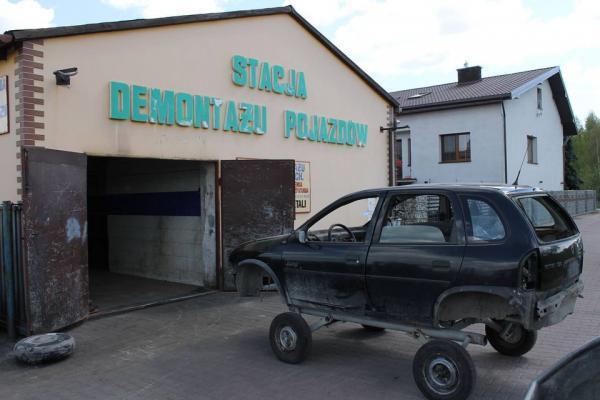Stacja demontażu pojazdów 39