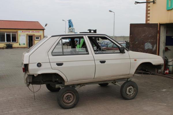 auto bez kół  46