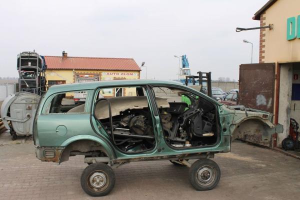 demontowanie auta 59