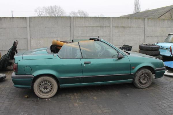 Zielony opel cabrio 72